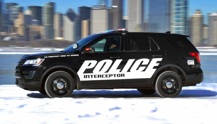 ford-interceptor-utility-2015-01-1440px