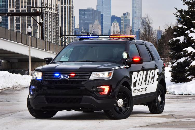 ford-interceptor-utility-2015-04-1440px