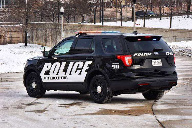 ford-interceptor-utility-2015-05-1440px