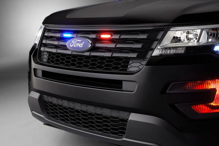 ford-interceptor-utility-2015-12-1440px