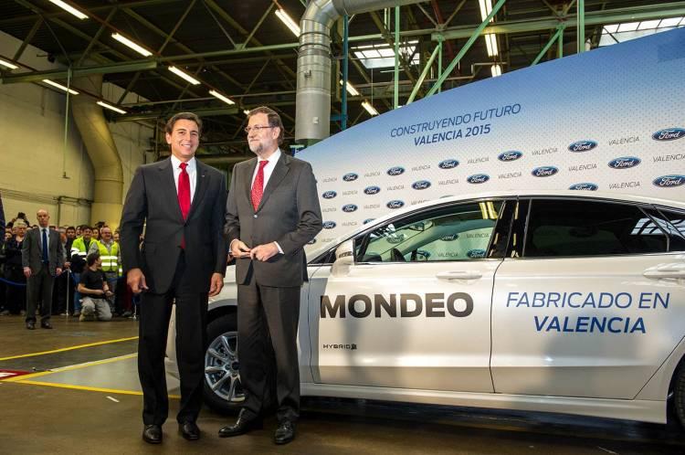 Mariano Rajoy y el Presidente Mundial de Ford, Mark Fields, Cert