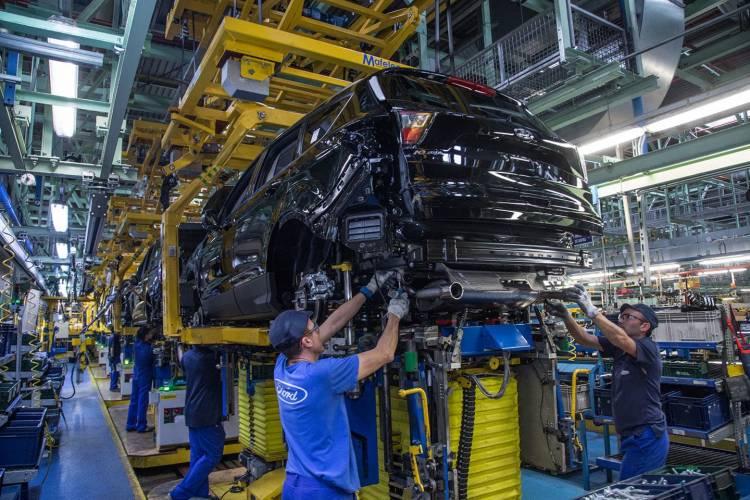 Ford Reafirma su Compromiso con España; Inversión de 750 Millo