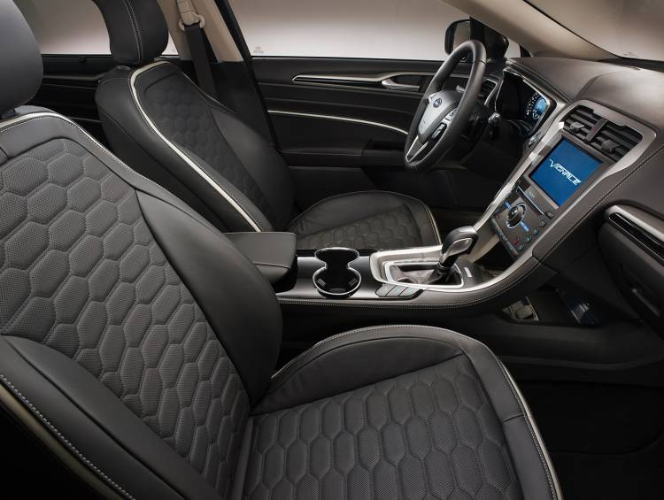 ford-mondeo-vignale-2015-11-1440px