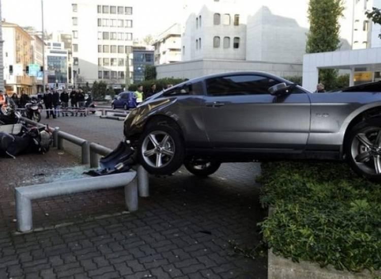 Problemas de aterrizaje para un Ford Mustang GT