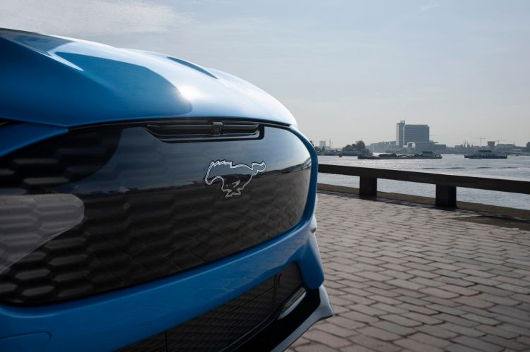 Ford Reveals Blisteringly Quick Mustang Mach E Gt For Europe: No