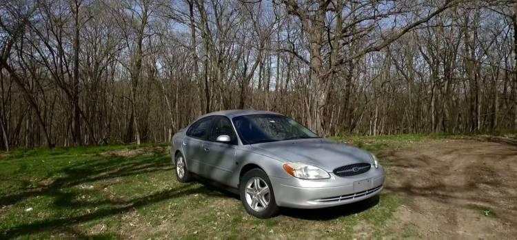 ford-taurus-2002-anuncio