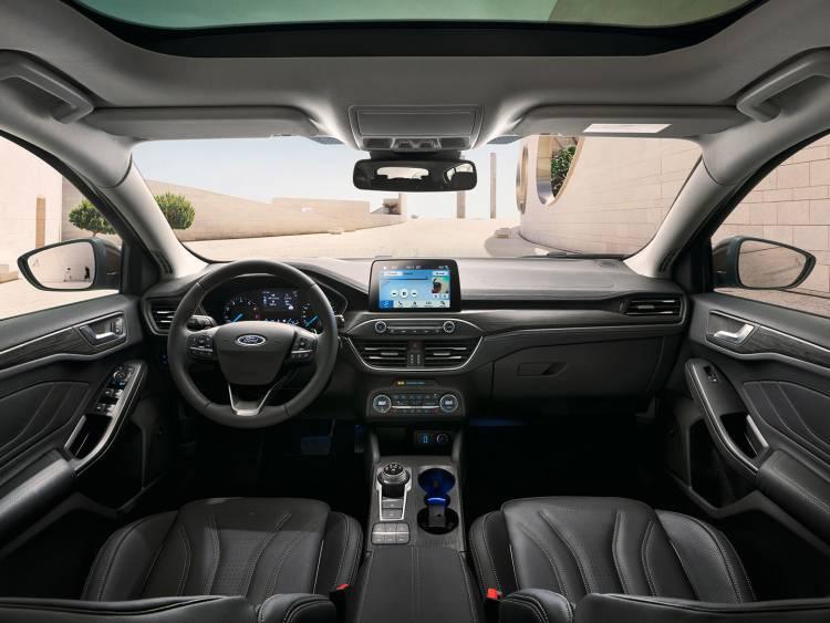 Ford Focus Vignale 2018 13