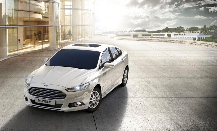 Fordmondeo Hybrid 01