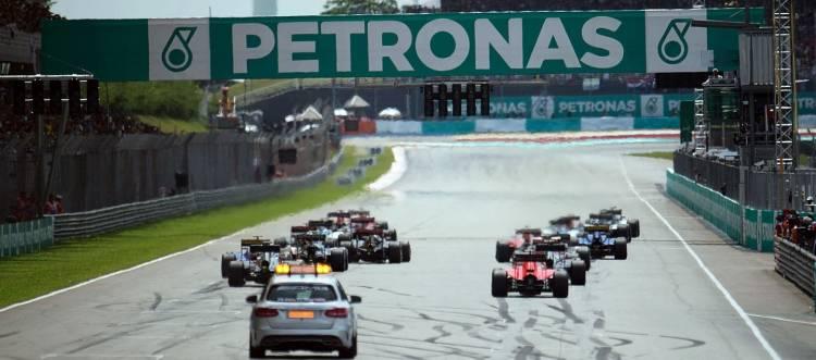 formula-1-fia-temporada-2015-malasia-salida-1