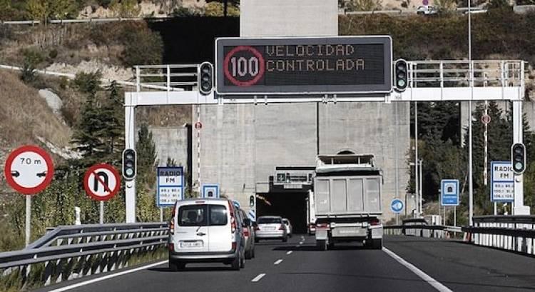 Foto entrada túnel autopista autovía radar tramo