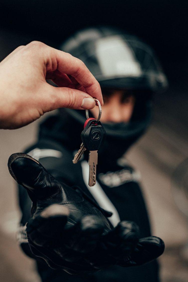 Gijs Coolen Guantes Llaves Moto Casco