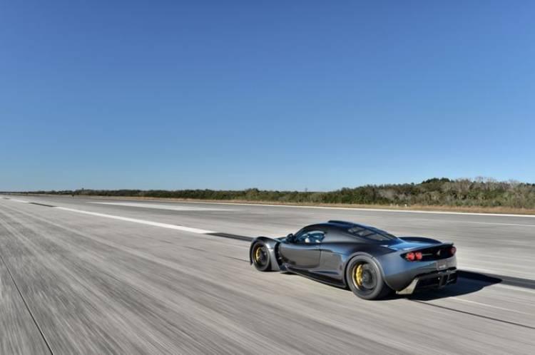 435,3 km/h: el nuevo récord de velocidad del Hennessey Venom GT