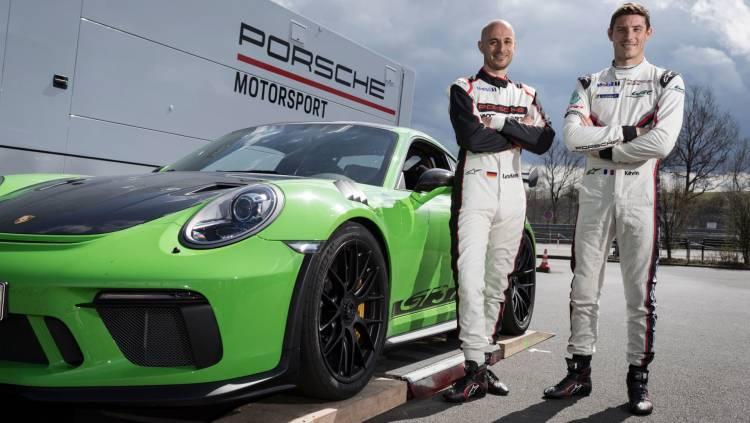 High Lars Kern Development Driver Kevin Estre Work Driver L R 911 Gt3 Rs Nurburgring Nordschleife 2018 Porsche Ag