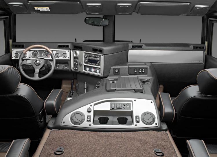 2004 Hummer H1 Interior