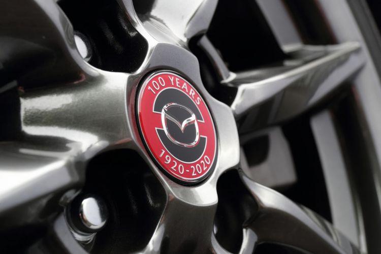 Historia Logo Mazda 100 Aniversario