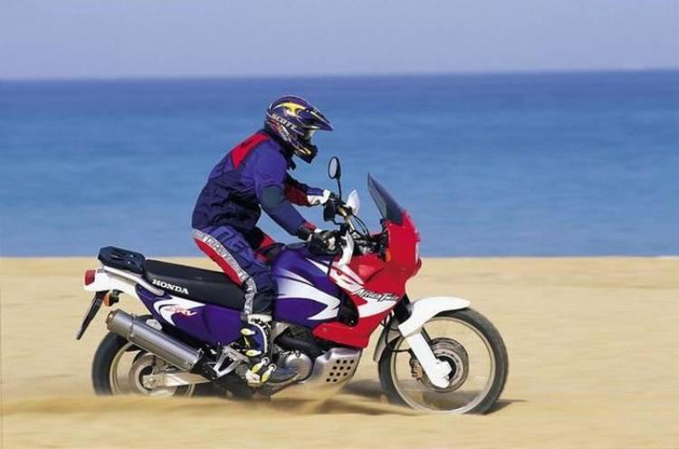 La mítica Honda Africa Twin volverá al mercado en 2015