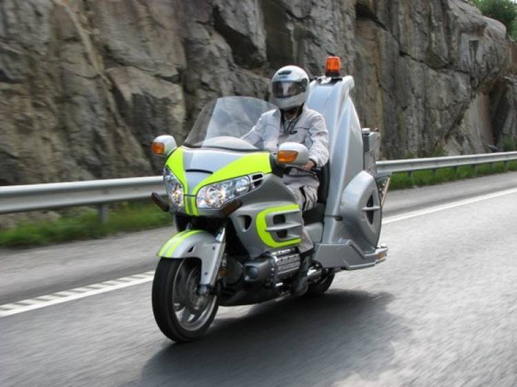 The Retriever, para remolcar coches con tu Honda Goldwing