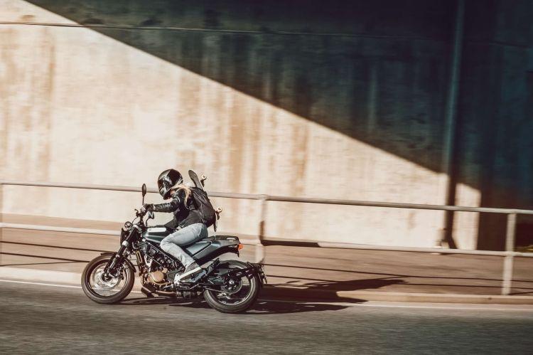 Husqvarna Svartpilen 125 2021 02 Oferta Motos 125 Cafe Racer Abril 2021