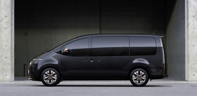 Hyundai Staria 2021 0321 003