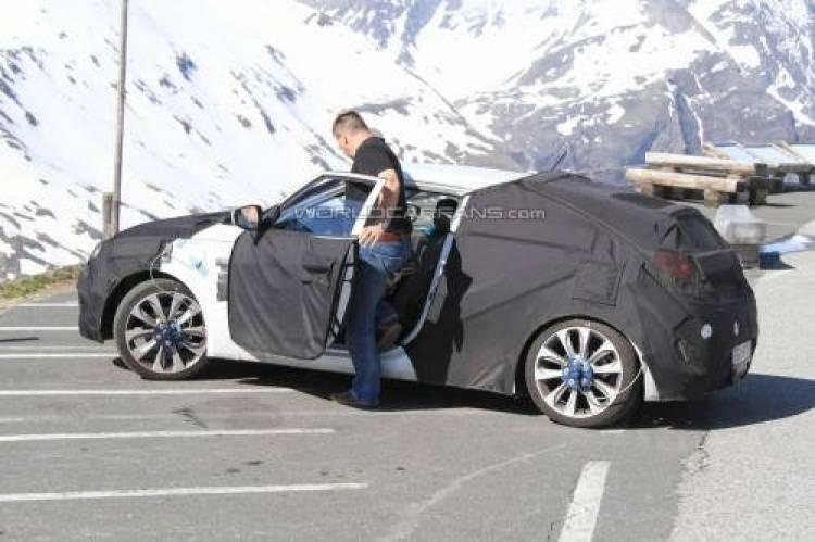 Hyundai Veloster y Volkswagen Scirocco