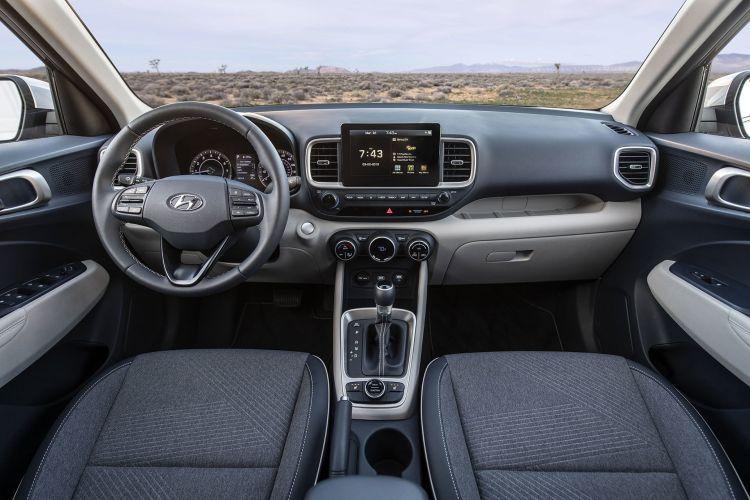 Hyundai Venue 2019 17