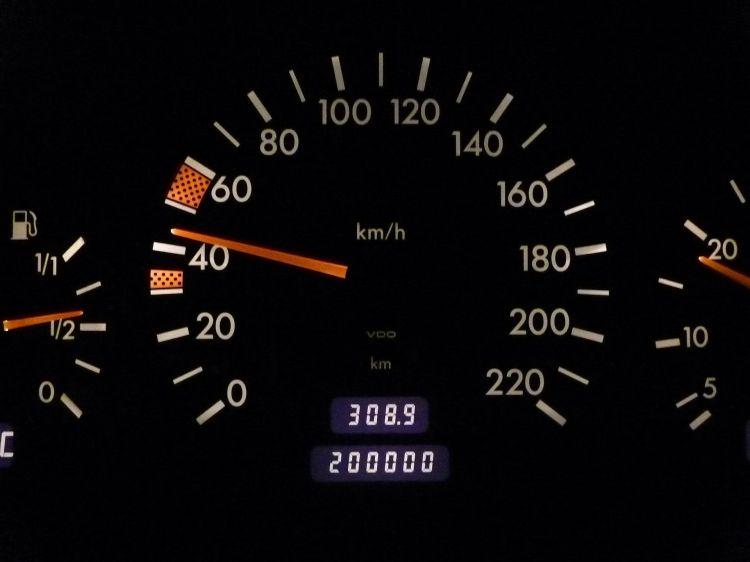 Informe Vehiculo Dgt Mercedes Clasico Odometro Cuentakilometros