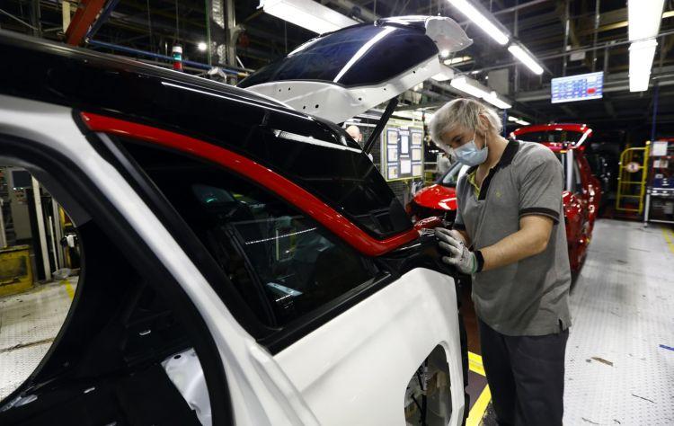Inicio Fabricacion Opel Crossland 04