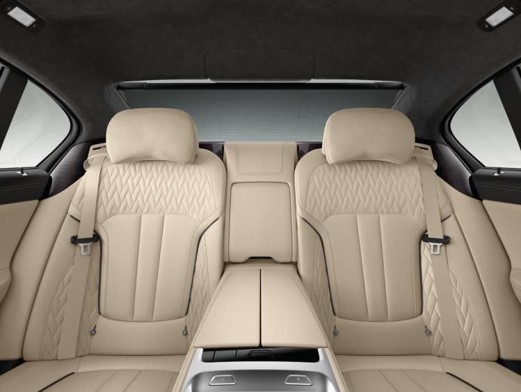 interior_BMW_M760Li_xDrive_2016_DM_26