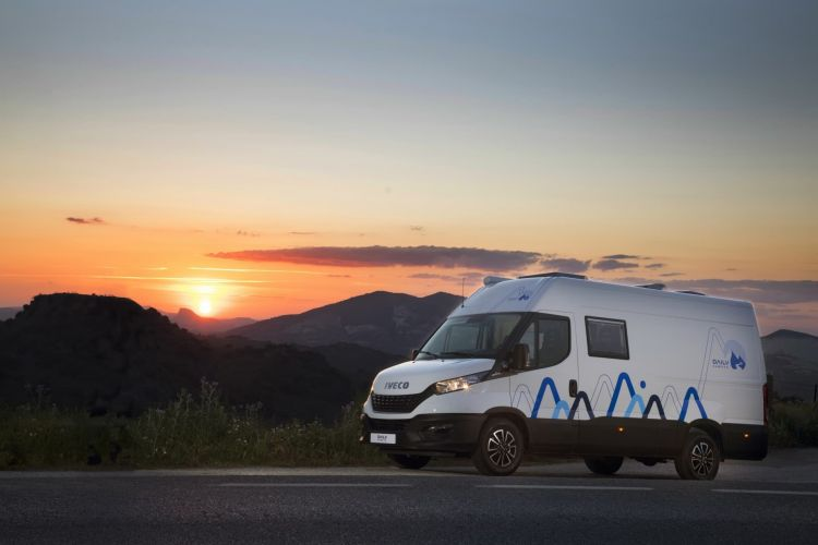 Iveco Daily Camper 2021 03