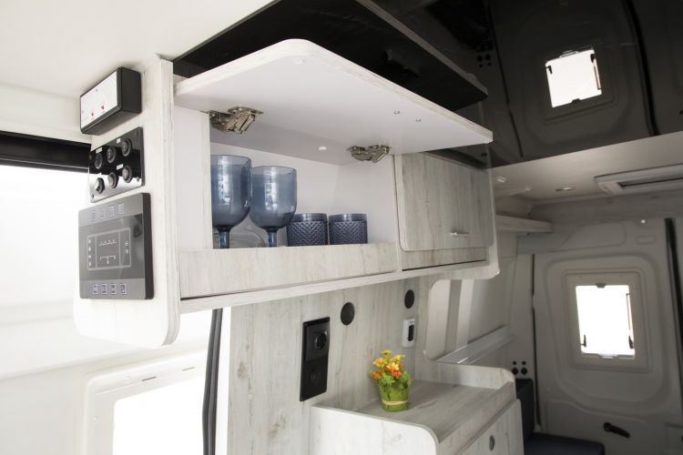 Iveco Daily Camper 2021 08