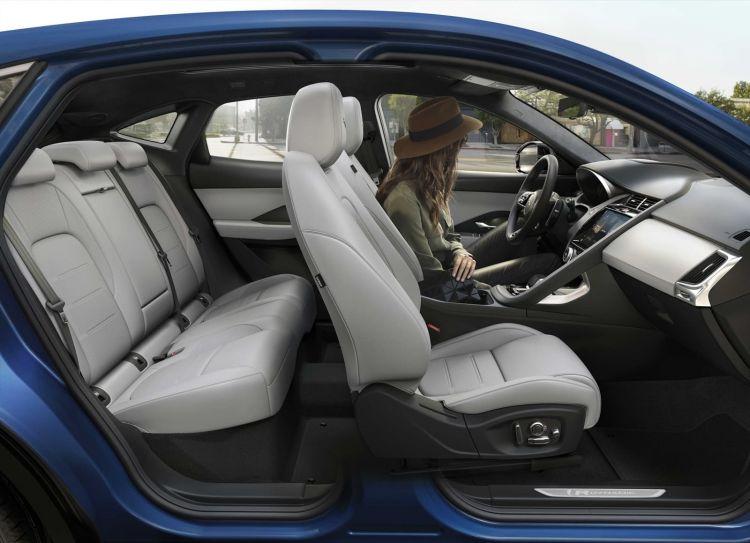 Jaguar E Pace 2021 1020 045
