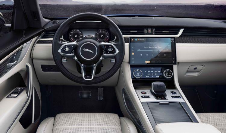Jaguar F Pace Svr 2021 1220 023