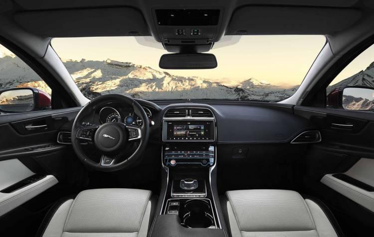 jaguar-xe-2016-4