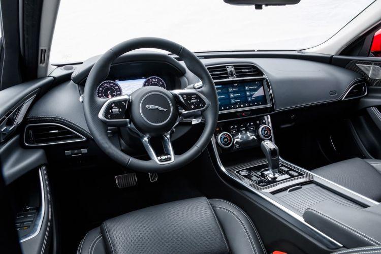 Jaguar Xe 2020 0419 033