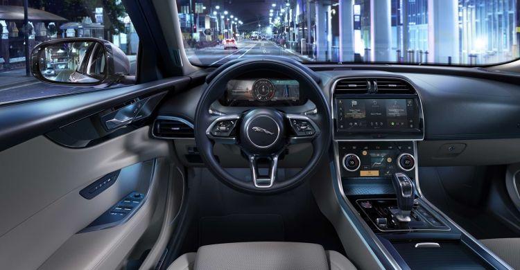 Jaguar Xe 2021 1020 023