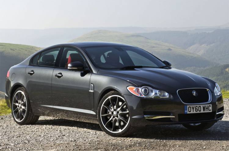 jaguar-xf-black-pack-dm-1