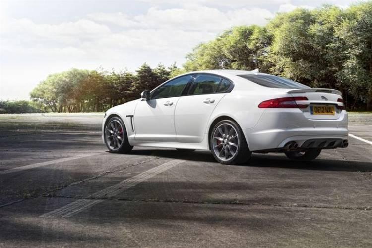 Jaguar sigue centrada en la introducción de una berlina media