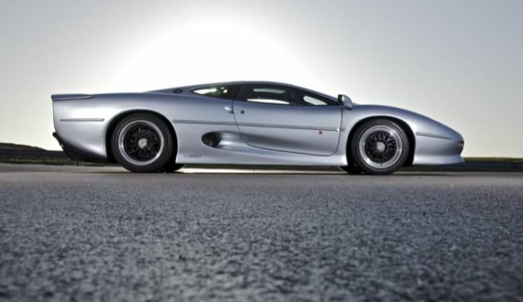 jaguar-xj220-20-02-700px
