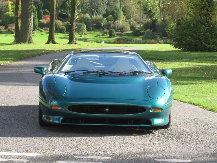 jaguar-xj220-subasta-01