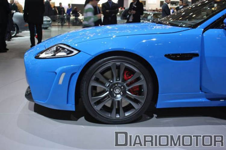 Jaguar XKR-S en el Salón de Ginebra