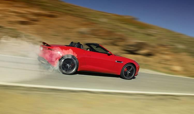 Burn out Jaguar F-Type