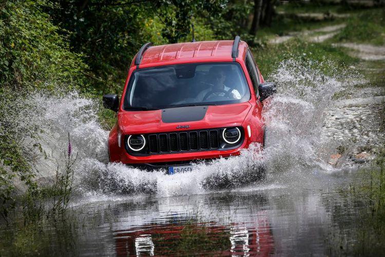 Jeep Renegade Compass 4xe 03