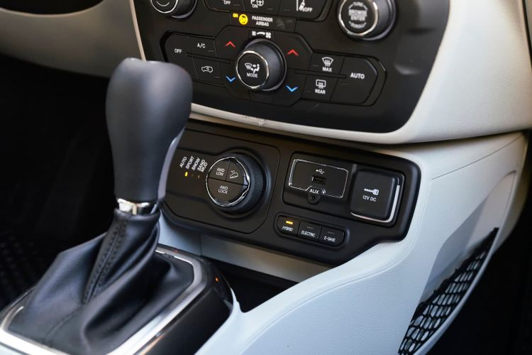 Jeep Renegade Compass 4xe 08