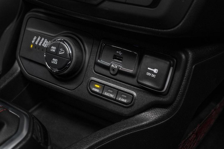 Jeep Renegade Phev 05