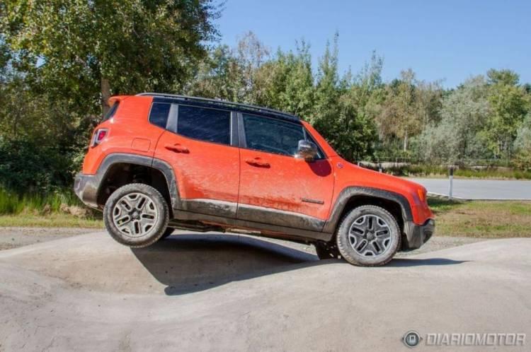 Jeep Renegade 2015, presentación y prueba en Milán: al volante dentro y fuera de la carretera