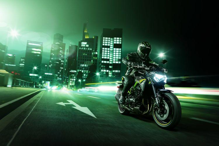Kawasaki Z900 Hi Z900 Action 1b
