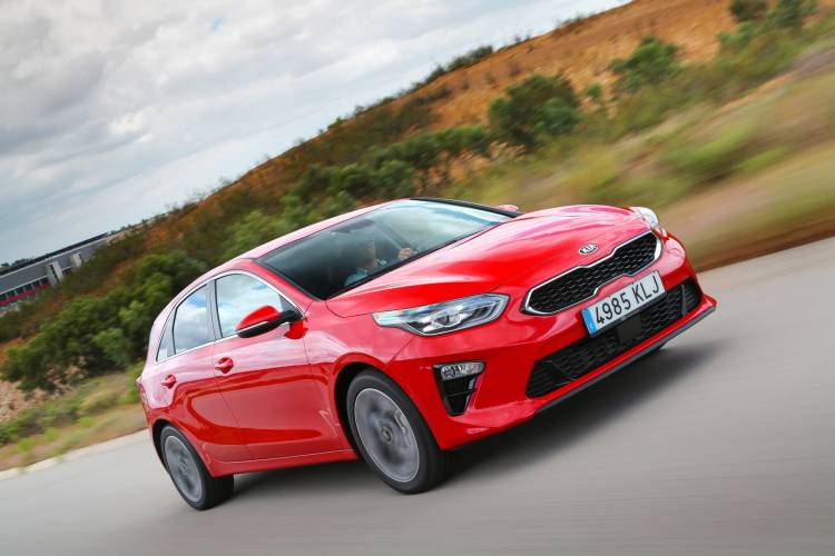 Kia Ceed 1 4 T Gdi 7 Dct Transmission 140hp Track Red 18