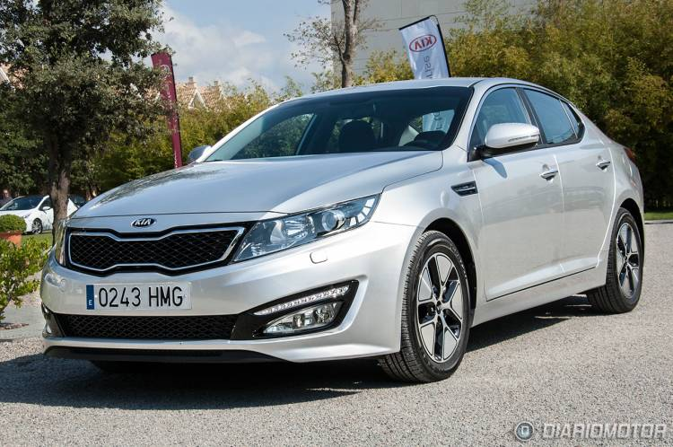 kia-optima-hibrido-01