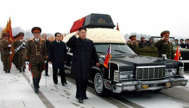 El último paseo de Kim Jong-il ha sido en una limusina Lincoln