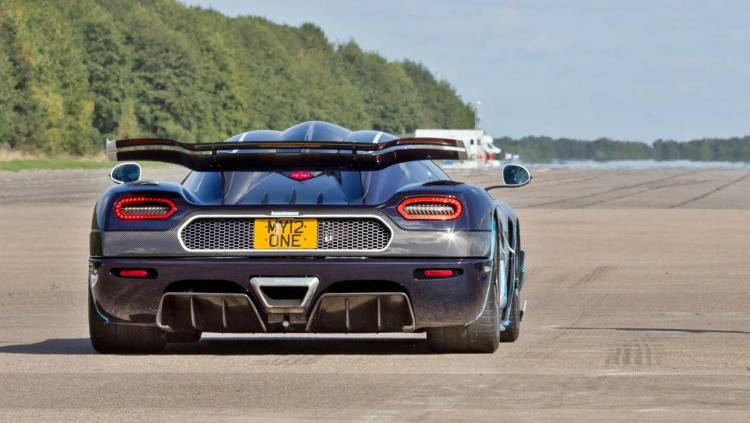 koenigsegg-one1-record-v-max-2016-00